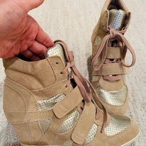 ❤️ 'ASH' WEDGE RUNNING SHOES‼️